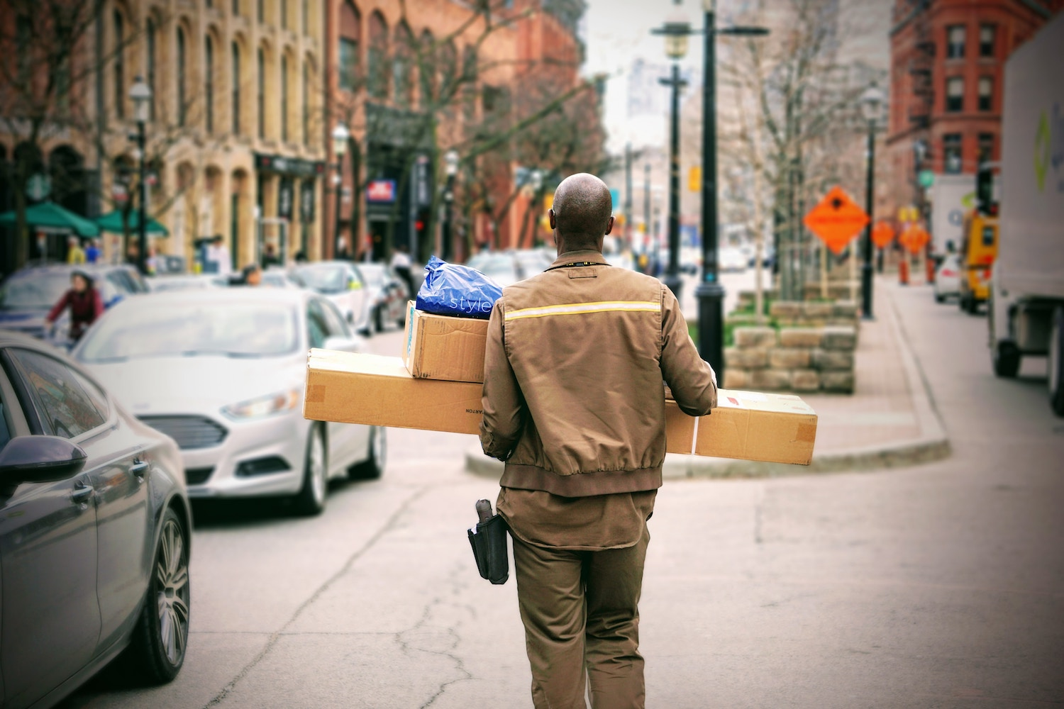 delivery-man-with-packages
